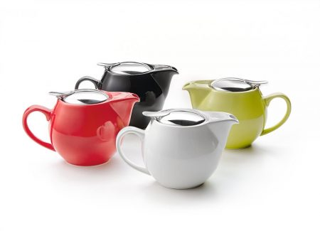 small teapot with strainer